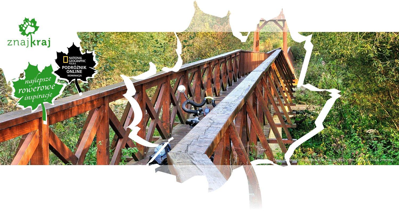 Długi, drewniany most rowerowy na Bystrzycy