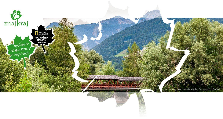 Kryty drewniany most nad Anizą