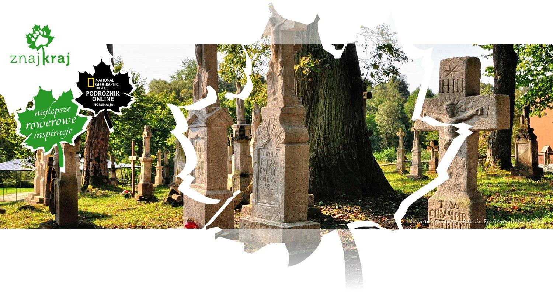 Krzyże na cmentarzu w Radrużu
