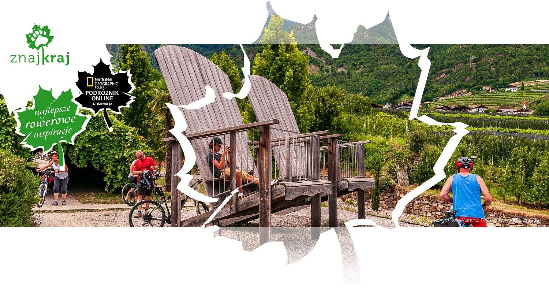 Ogromne fotele w punkcie widokowym koło Merano