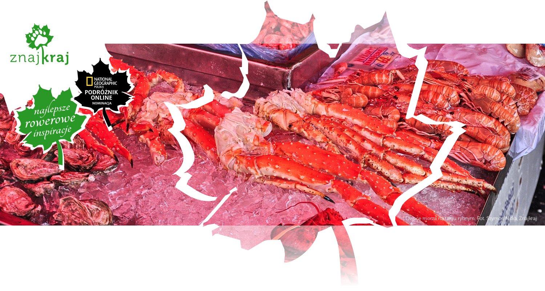 Owoce morza na targu rybnym