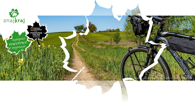 Rowerowy szlak po polnej drodze koło Salina