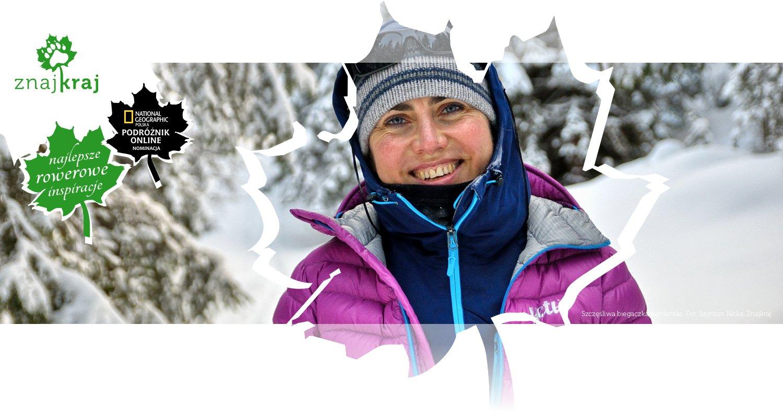 Szczęśliwa biegaczka narciarska