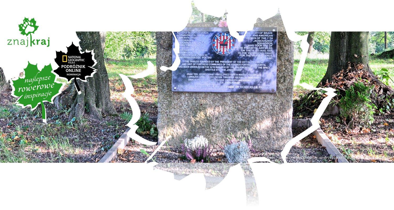 W forcie Borek: tablica lotników polskich i amerykańskich