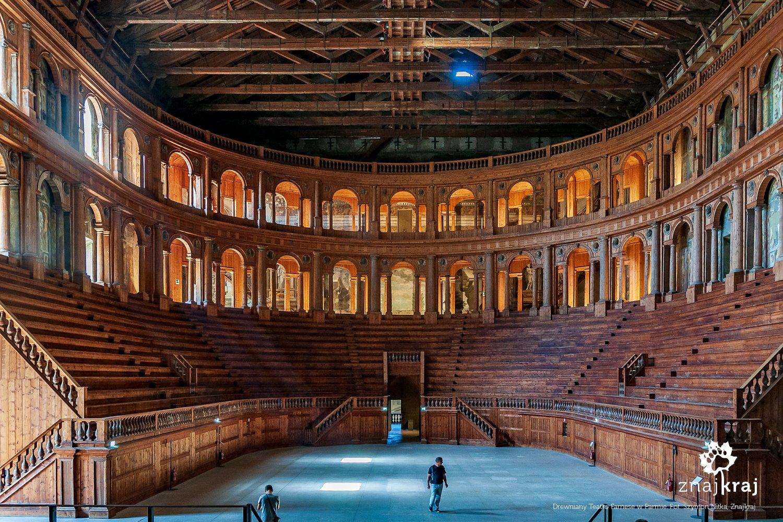 Drewniany Teatro Farnese w Parmie