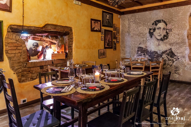 Piękne wnętrza restauracji w Parmie