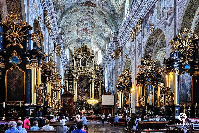 Wnętrze bazyliki w Leżajsku