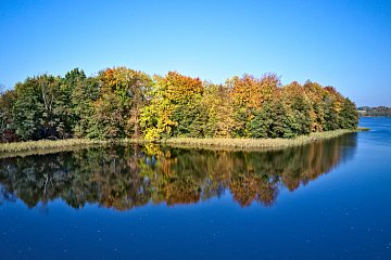 Jesień nadjeziorem Rekowo