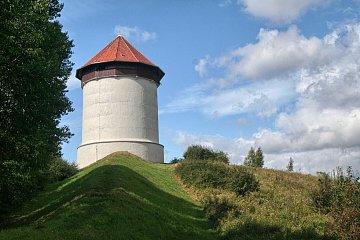 Wieża kompensacyjna elektrowni w Bielkowie